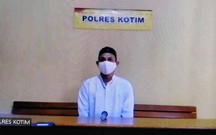 Sariyono alias Yono, terdakwa kasus pencurian.