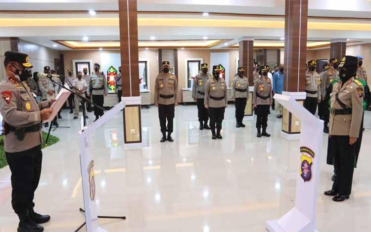 Upacara serahterima jabatan sekaligus pelantikan Wakapolda Kalteng yang baru