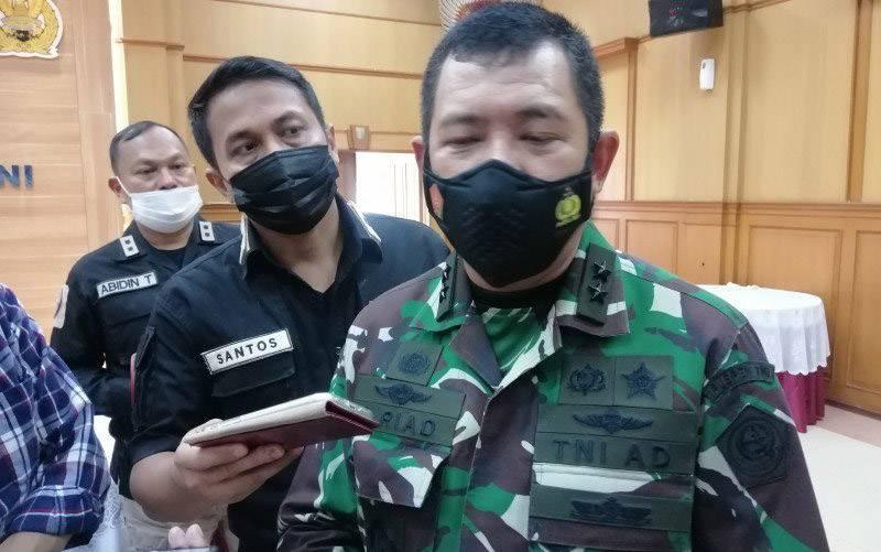 Kepala Pusat Penerangan (Kapuspen) TNI Mayjen TNI Achmad Riad saat memberikan keterangan pers, di Mabes TNI Cilangkap, Jakarta Timur, Rabu (10/3/2021). (foto : ANTARA/Syaiful Hakim)