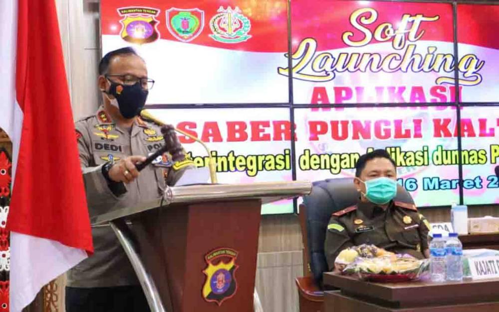 Kapolda Kalteng Irjen Dedi Prasetyo menyampaikan sambutan dalam kegiatan soft louncing Aplikasi Saber Pungli