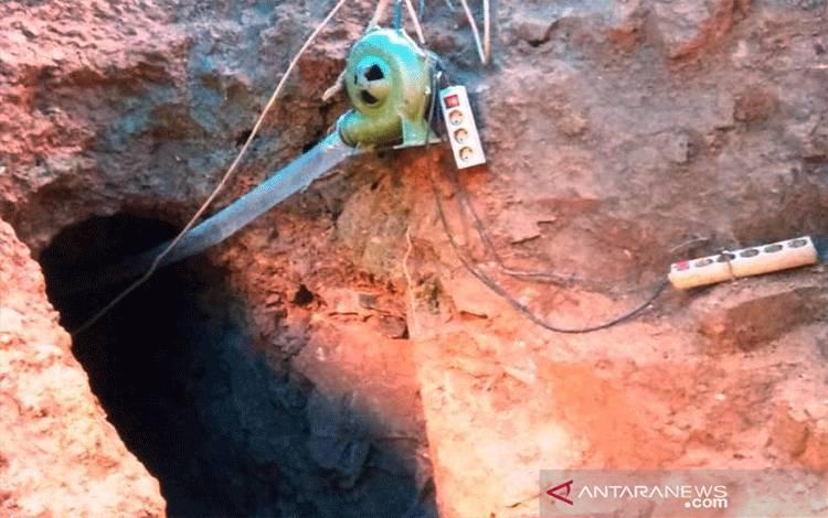 Lokasi penambangan emas yang longsor di kawasan tambang emas PT PSU di Desa Simpang Dua, Kemukiman Manggamat, Kecamatan Kluet Tengah, Kabupaten Aceh Selatan, Selasa (16/3/2021).  ANTARA/HO-Dok.Pribadi