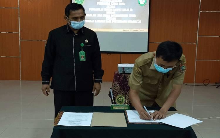 Pengadilan Negeri Sampit melakukan kerja sama dengan sekolah luar biasa di Kotim untuk memberikan pelayanan optimal bagi penyandang disabilitas.
