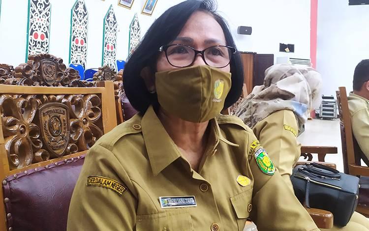 Kepala Disnaker Palangka Raya, Mesliani Tara .