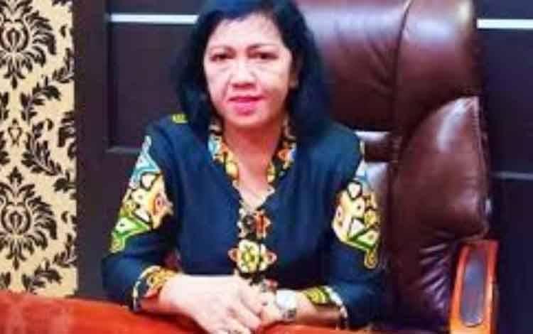 Ketua DPRD Kotawaringin Timur, Rinie Anderson