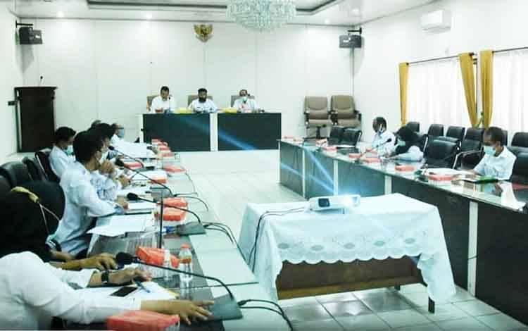Rapat internal penyelesaian percepatan Tambahan Penghasilan Pegawai (TPP) Aparatur Sipil Negara (ASN) lingkup Pemerintah Kabupaten Barito Utara