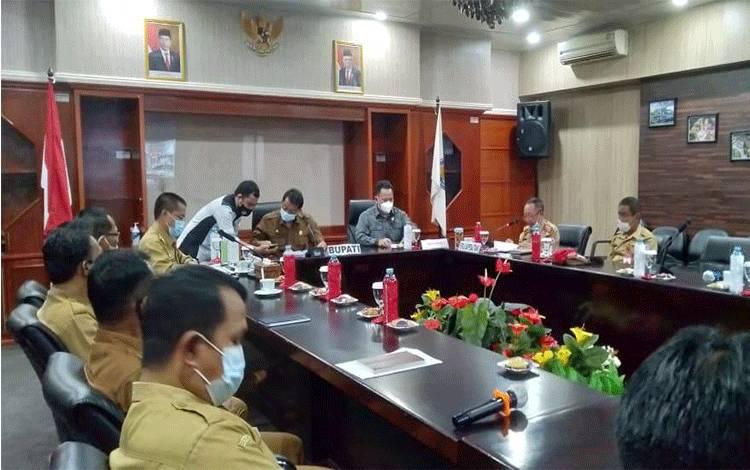 Pelaksanaan Musrenbang Tingkat Kabupaten Mura yang dipimpin Bupati dan digelar secara virtual.