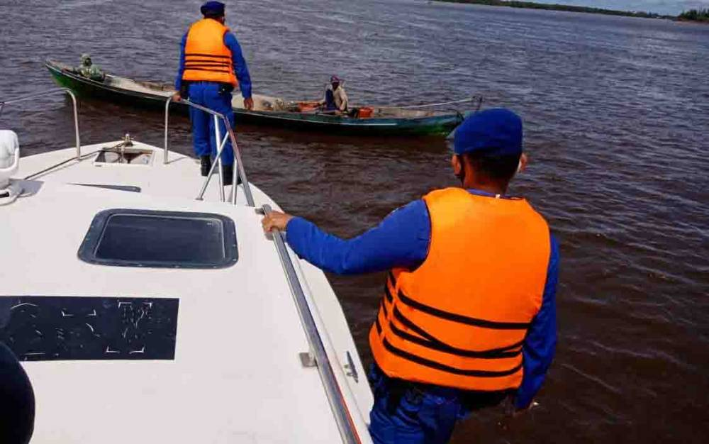 Kapal Polisi milik Polairud Polres Seruyan sebagai sarana penunjang dalam pelaksanaan tugas untuk memelihara kamtibmas di wilayah perairan Seruyan