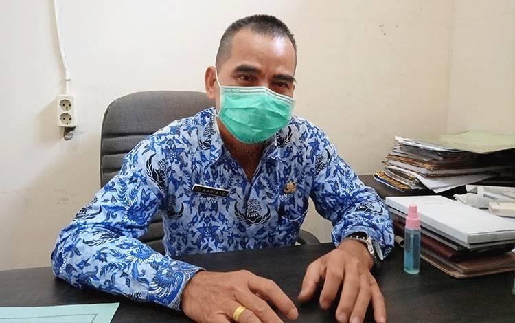 Plt Kepala Dinas Perdagangan, Koperasi dan UKM Kabupaten Barito Timur, Kariato.
