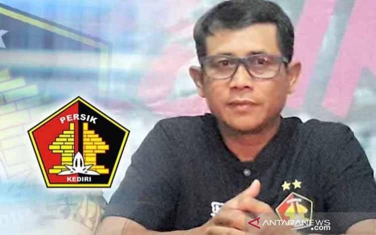 Pelatih Persik Kediri Joko Susilo