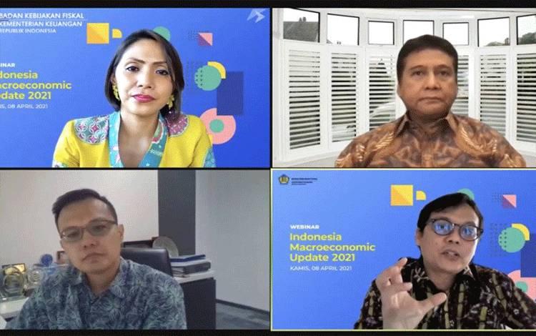 Kepala Pusat Kebijakan Makro Badan Kebijakan Fiskal Kemenkeu Hidayat Amir dalam webinar Indonesia Macroeconomic Update 2021 di Jakarta, Kamis (8/4/2021). (ANTARA/AstridFaidlatulHabibah)