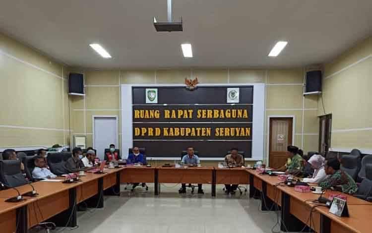 Pertemuan antara DPRD Seruyan dan DPRD Kotawaringin Barat, Kamis, 8 April 2021