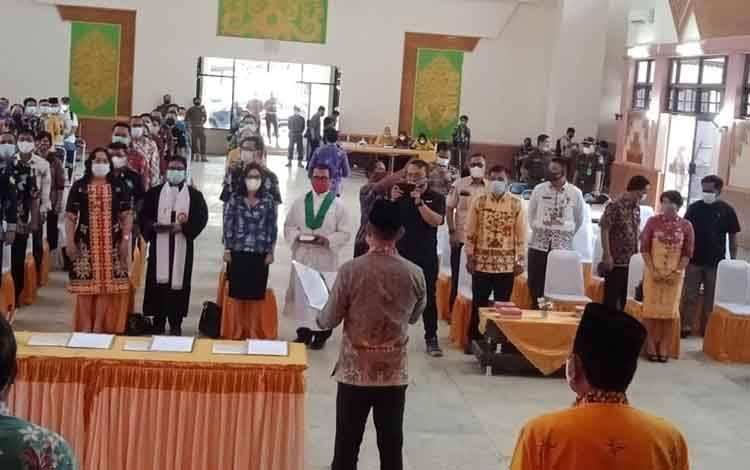 Eddy Raya Samsuri melantik 97 pejabat dilingkup Pemkab Barsel.