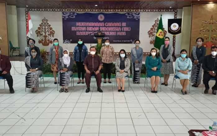 Bupati Gunung Mas (Gumas), Jaya S Monong mengapresiasi pelaksanaan Musyawarah Cabang (Muscab) III Ikatan Bidan Indonesia (IBI) Kabupaten Gumas.