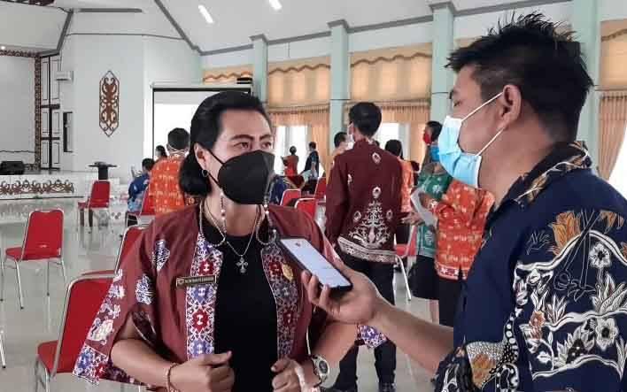 Anggota DPRD Kabupaten Gumas, Rayaniatie Djangkan.