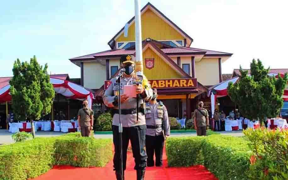 Kapolda Kalteng Irjen Dedi Prasetyo saat memimpin apel gelar pasukan dalam operasi keselamatan Telabang 2021