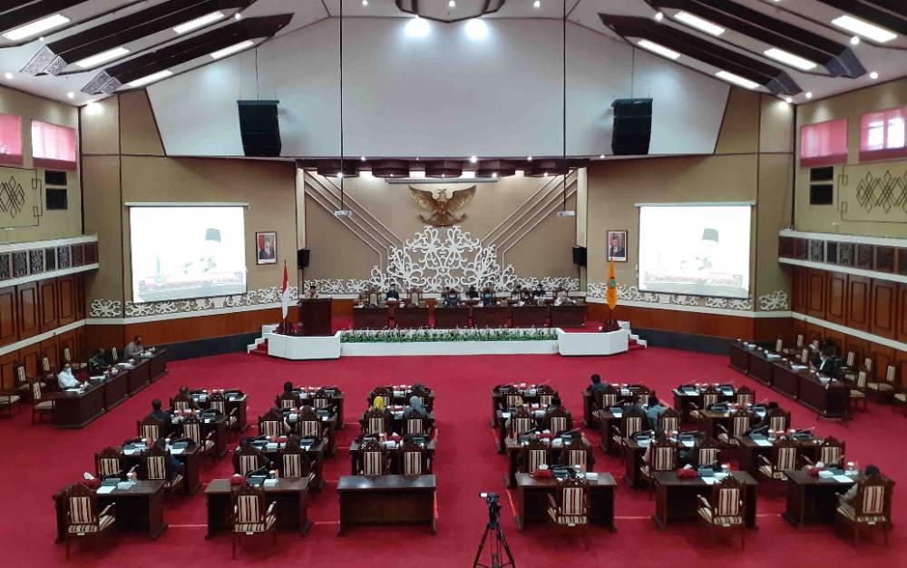 Rapat paripurna ke-9 masa persidangan I DPRD Kalteng yang digelar, Senin 12 April 2021