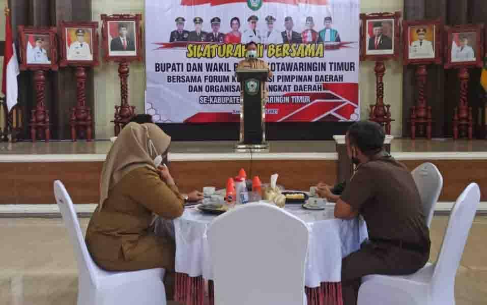Bupati Kotim Halikinnor saat menyampaikan sambutan dalam kegiatan silaturahmi bersama Forkopinda dan OPD di daerah ini.