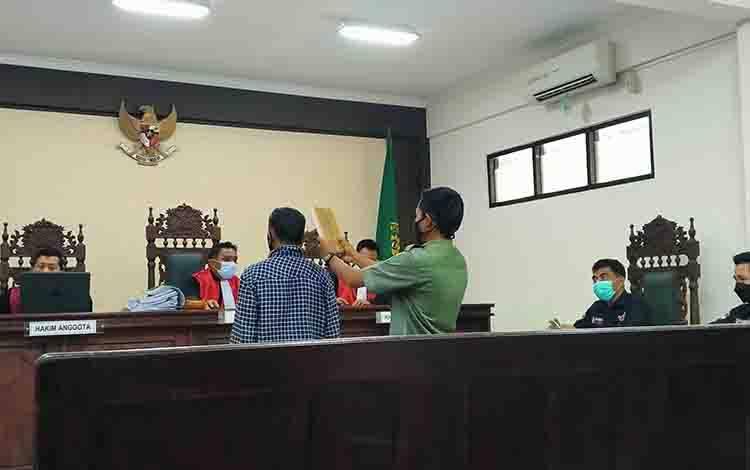 Sidang gugatan M Abdul Fatah yang diajukan kepadaBalai Pengamanan dan Penegakan Hukum Lingkungan Hidup dan Kehutanan Wilayah Kalimantan Seksi Wilayah I Palangka Raya di Pengadilan Negeri Sampit