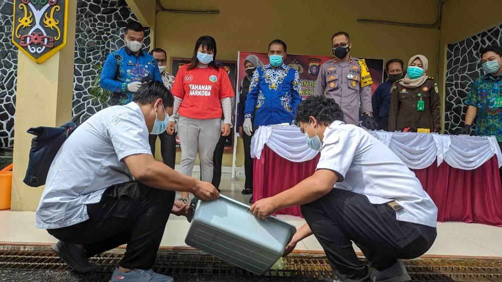 Pemusnahan barang bukti sabu bernilai Rp 150 juta yang dilakukan di Polres Kotim