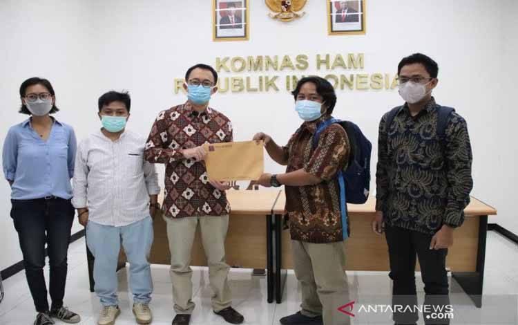 Komisioner Pendidikan dan Penyuluhan Komnas HAM RI Beka Ulung Hapsara menerima audiensi Aliansi Jurnalis Independen (AJI) terkait kasus dugaan penganiayaan wartawan Tempo, Nurhadi