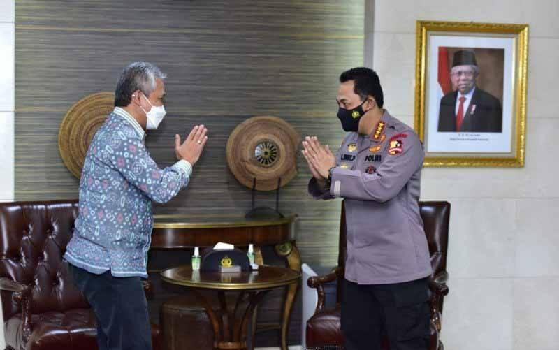 Kapolri Jenderal Pol Listyo Sigit Prabowo bertemu Dirjen Bea Cukai Askolani membahas penguatan kerja sama kepabeanan, Senin (19/4/2021). (foto : ANTARA/HO-Divisi Humas Polri)