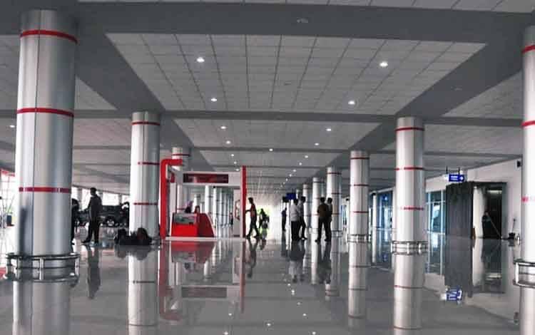 Traveler di kawasan Bandara Tjilik Riwut Palangka Raya