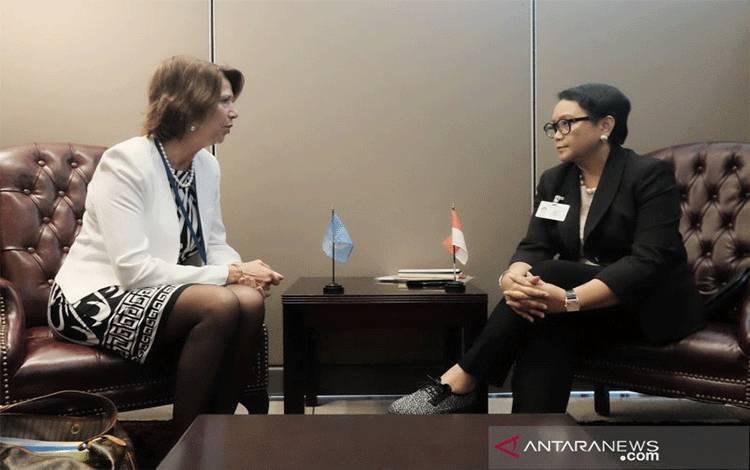 Dokumentasi: Menteri Luar Negeri RI Retno Marsudi (kanan) bertemu Utusan Khusus Sekretaris Jenderal PBB untuk Urusan Myanmar Christine Schraner-Burgener (kiri) di sela-sela Sidang Majelis Umum PBB di New York, AS, Senin (23/9/2019). ANTARA/HO-Kemlu RI/aa. (Handout Kemlu RI)