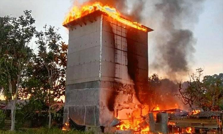 Kondisi rumah walet yang terbakar di RT 30 Kelurahan Ampah Kota.