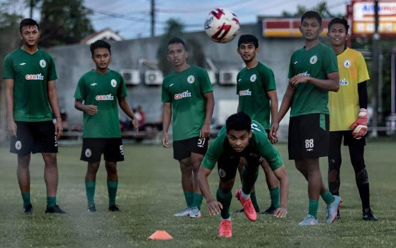 Para pemain PSS Sleman tengah berlatih. (foto : HO/Pssleman.id)