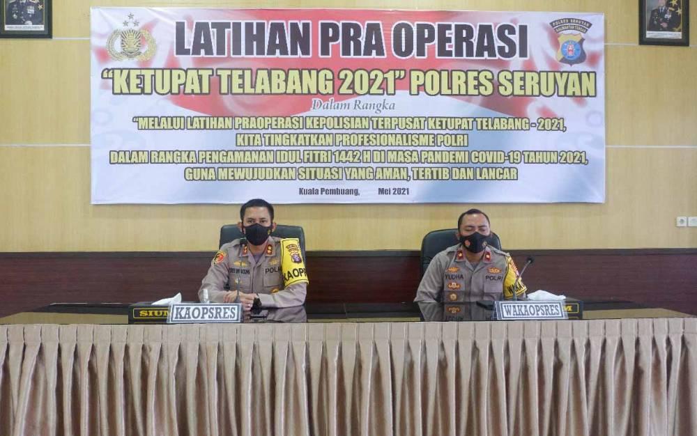 Kapolres Seruyan, AKBP Bayu Wicaksono saat memimpin Latihan Pra Operasi Ketupat Telabang 2021, Selasa, 4 Mei 2021.
