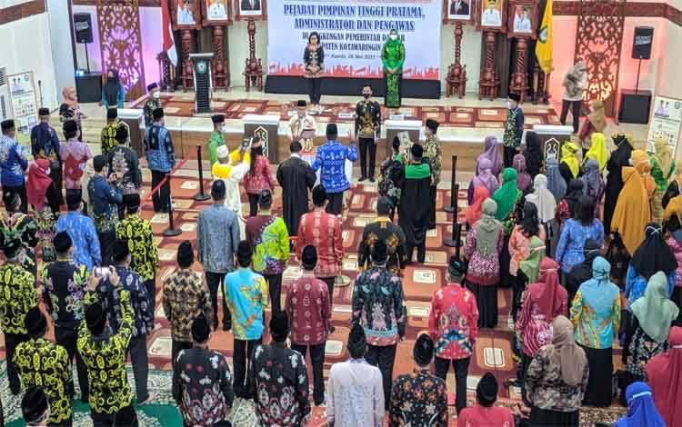 Bupati Kotim Kukuhkan 5 Pejabat Tinggi Pratama dan 214 Administrator serta Pengawas