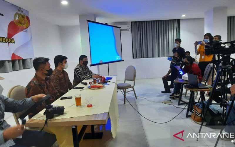Rilis survei nasional Etos Indonesia Institut tentang pendapat dan harapan masyarakat atas pelantikan Kapolri baru, di Jakarta, Sabtu (8/5/2021). (foto : ANTARA/Laily Rahmawaty)