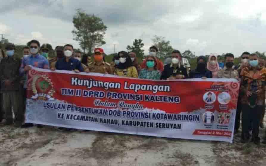 Kelompok II tim Pembahasan DOB DPRD Kalteng saat meninjau lokasi calon ibu kota Provinsi Kotawaringin