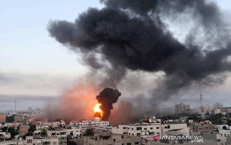 Israel Tembakkan Artileri ke Gaza, Serangan Roket Palestina Berlanjut