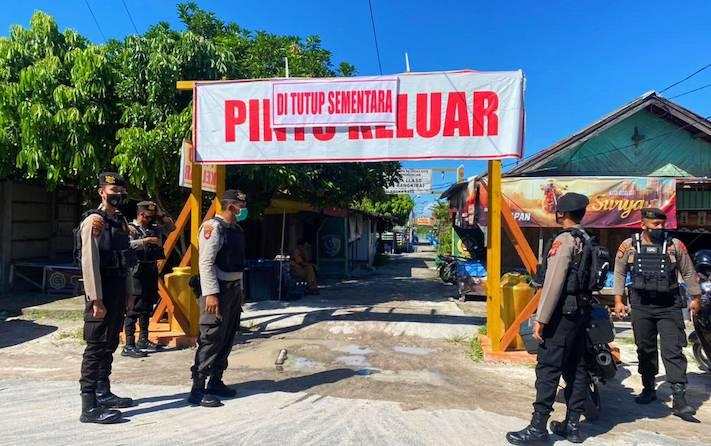 Tim Operasi Ketupat Telabang 2021 saat melakukan patroli pengecekan di tempat wisata, Jumat, 14 Mei 2021.