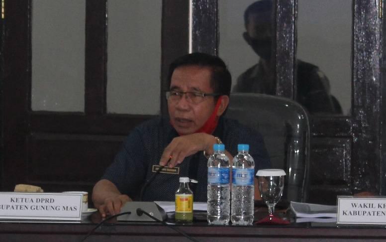 Ketua DPRD Gumas, Akerman Sahidar.