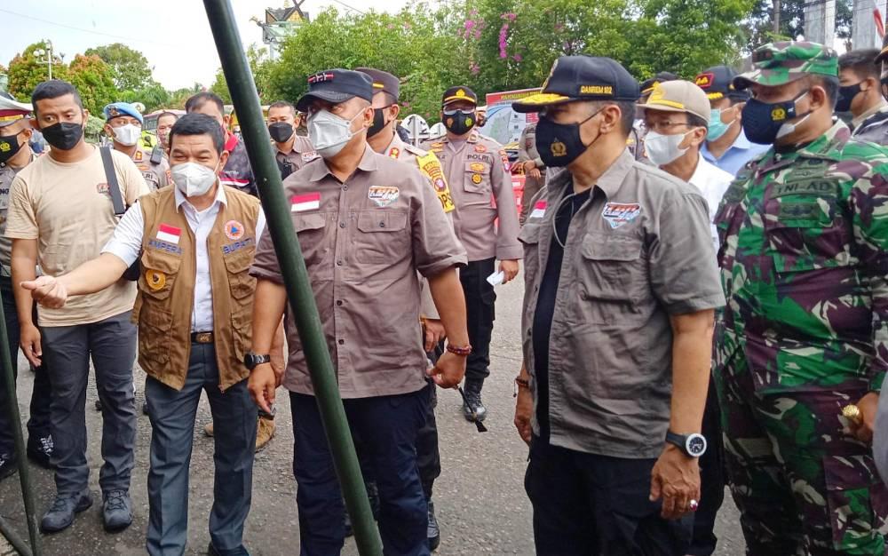 Kapolda Kalimantan Tengah, Irjen Pol Dedi Prasetyo saat meninjau pos penyekatan perbatasan Kalteng - Kalsel, yakni Pasar Panas Kabupaten Barito Timur.