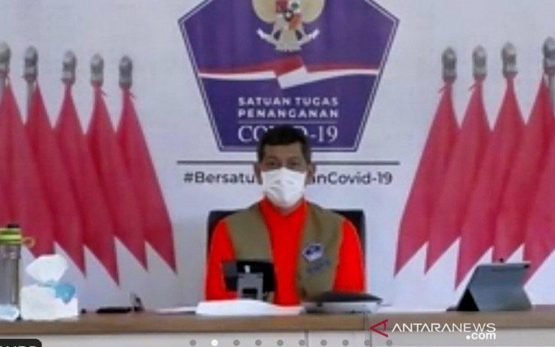 "Ketua Satuan Tugas Penanganan COVID-19 Doni Monardo dalam bincang-bincang bertajuk ""Antisipasi Mobilitas Masyarakat dan Pencegahan Lonjakan Kasus COVID-19 Pasca Libur Lebaran"" dipantau secara daring di Jakarta, Sabtu (15/5/2021). (foto : ANTARA/Zubi Mahrofi)"