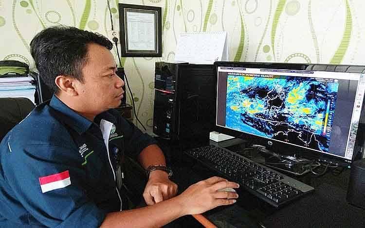Kepala Stasiun Meteorologi Sanggu Barito Selatan, Nur Setiawan