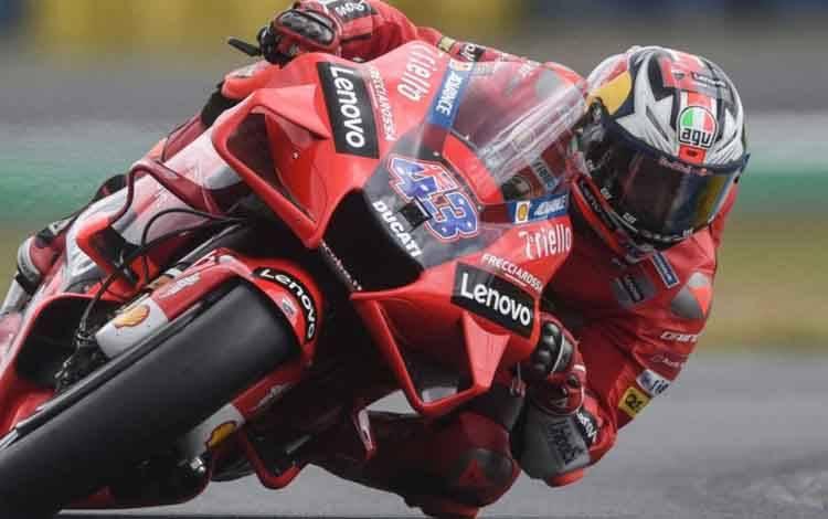 Pebalap tim Ducati Lenovo Jack Miller menjalani babak kualifikasi Grand Prix Prancis di Sirkuit Bugatti, Le Mans. (15/5/2021)