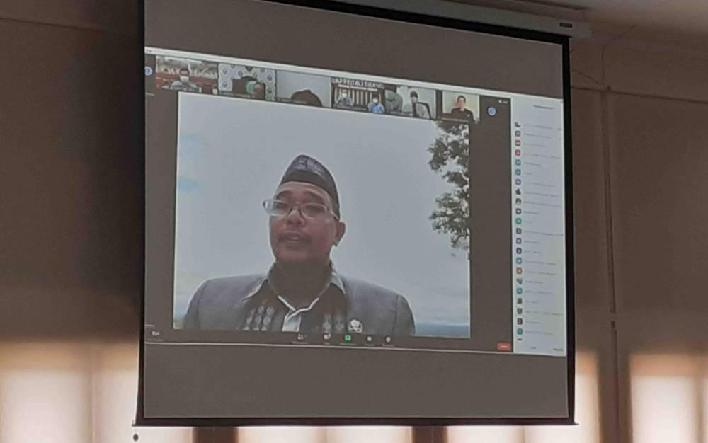 Wakil Gubernur Kalteng, Habib Ismail Bin Yahya saat mengikuti rapat paripurna DPRD secara virtual