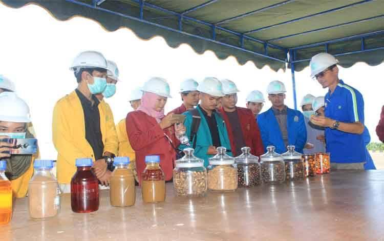 Salah satu kegiatan SSMS dalam memperkenalkan dunia perkebunan kelapa sawit kepada kalangan mahasiswa