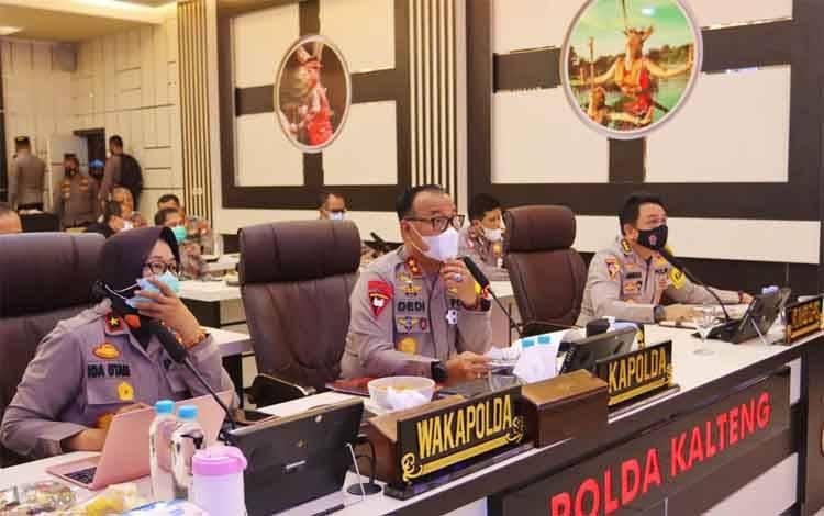 Kapolda Kalteng Irjen Dedi Prasetyo saat memimpin Vicon Anev