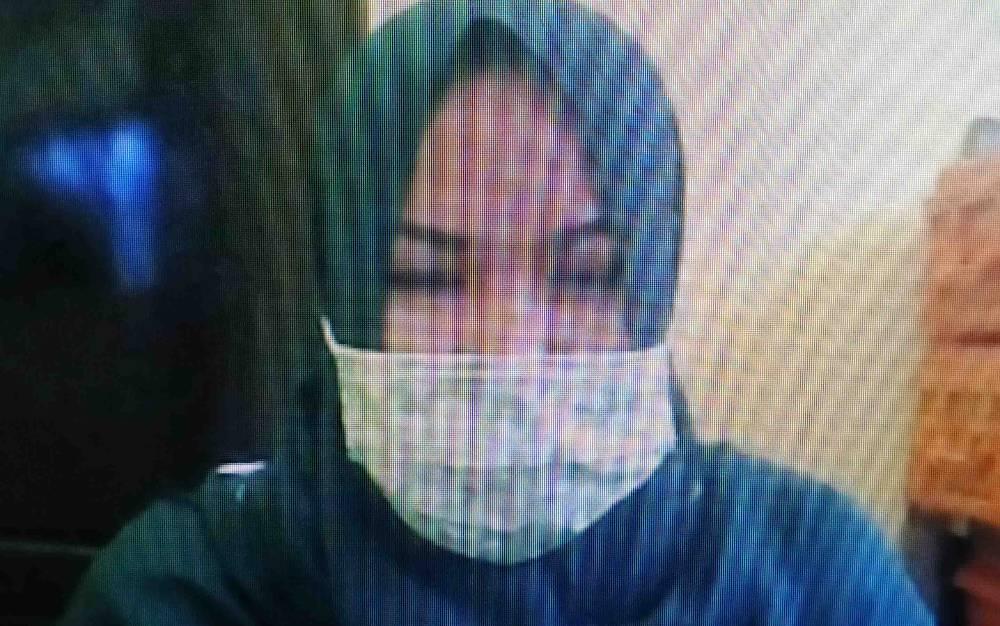 Dahliani alias Idah terdakwa kasus sabu saat sidang online
