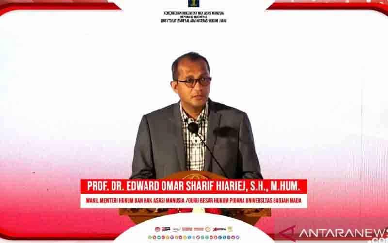 Tangkapan layar Wakil Menteri Hukum dan Hak Asasi Manusia (Wamenkumham) Prof Edward Omar Sharif Hiariej. (foto : ANTARA/Muhammad Zulfikar)
