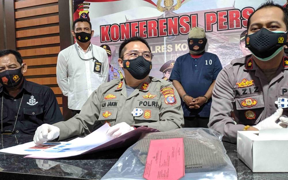 Kapolres Kotim AKBP Abdoel Harris Jakin saat ekspos kasus pemerkosaan yang dilakukan dukun cabul terhadap pasiennya