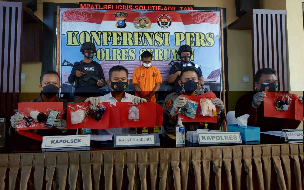 Kapolres Seruyan AKBP Bayu Wicaksono konferensi pers pengungkapan kasus sabu, Jumat, 18 Juni 2021