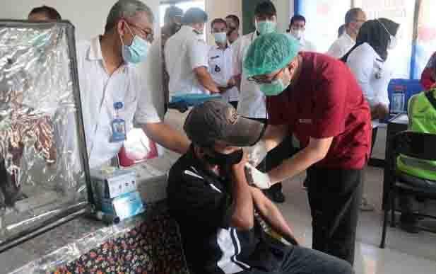 Vaksinasi Covid-19 yang terus dilaksanakan pemerintah Kotim, demi percepatan penanganan Covid-19 di daerah ini.