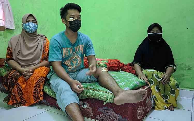 Korban pengeroyokan pelaku balap liar di Sampit.