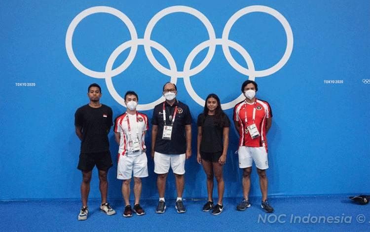 Tim renang Indonesia dalam sesi latihan jelang penampilan di Olimpiade 2020 Tokyo. Dua atlet renang Indonesia dijadwalkan berlaga di Tokyo Aquatics Center, Sabtu (24/7/2021). (ANTARA/HO-NOC Indonesia)